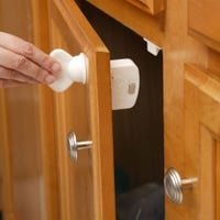 Magnetic Locking System With Key