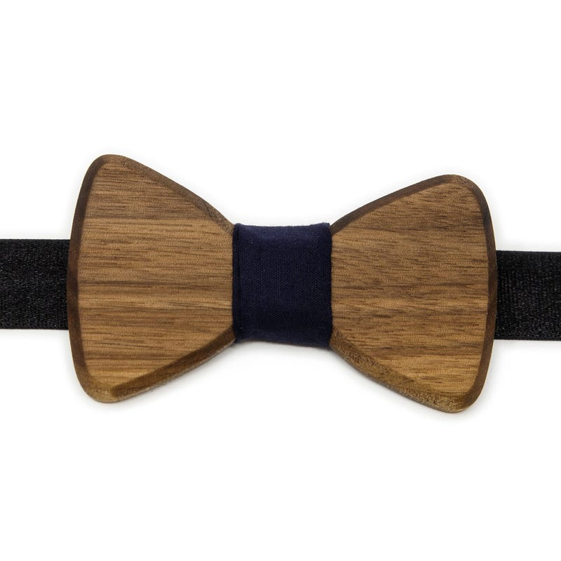 Walnut Bow Tie 4-12y - Young Georges