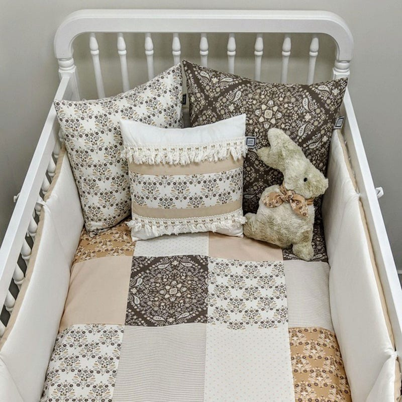 4-Piece Crib Bedding Set - Anna